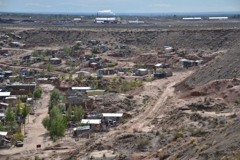 Comarsa Basurero petrolero en cercanias de los barrios Neuquén Capital