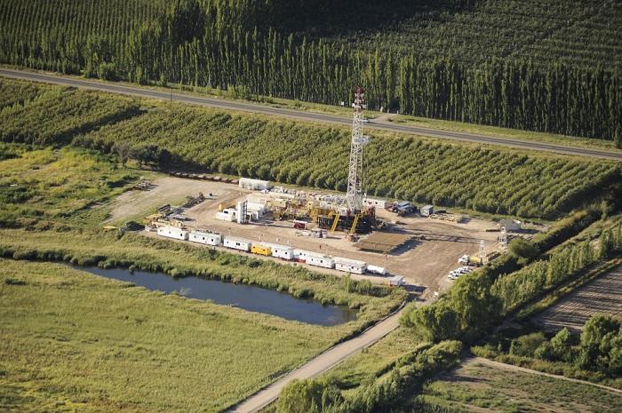 Pozo en perforación en plena zona productiva Allen - Rio Negro